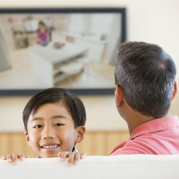 Ab wann dürfen Kinder einen eigenen Fernseher haben